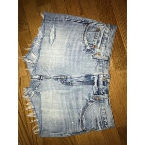 LEVIS 501 Light-wash distressed shorts